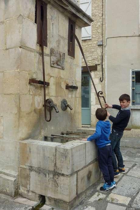 """Pays d'Art et d'Histoire : Visite Ludique """"Les Mystères de la Ville"""""""