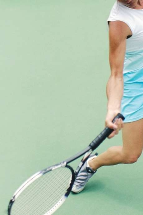 TENNIS - STAGES DE TENNIS JEUNES & ADULTES