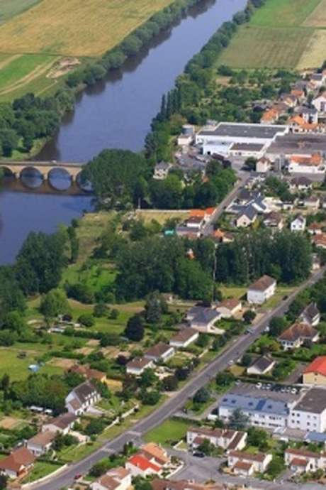 Balade dans le bourg de Dangé-Saint-Romain