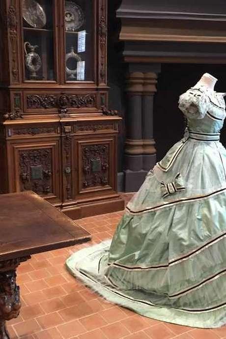 """Visite guidée """"Sous les jupons des reines"""" au Château Royal de Blois"""