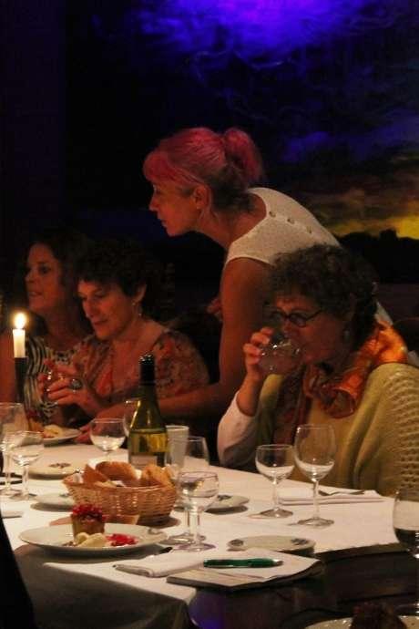 Les dîners-énigmes de Rébecca, expérience alchimique à travers l'eau