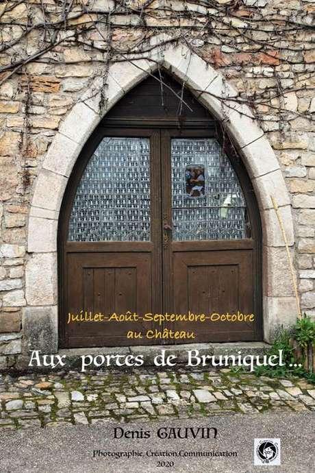 """Exposition photos """"Aux portes de Bruniquel"""