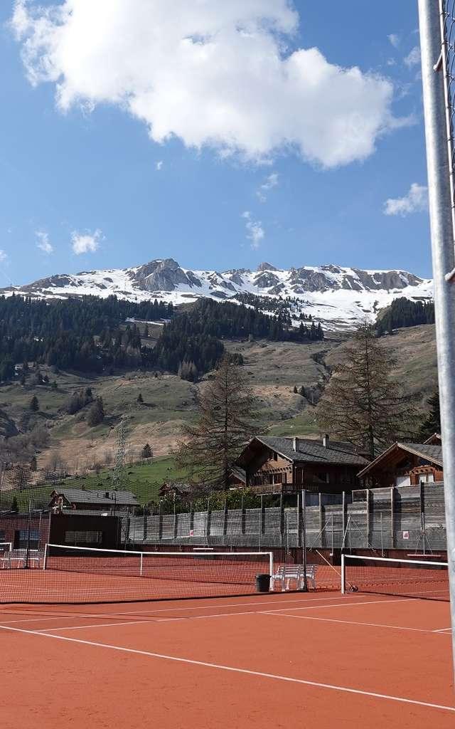 Tennis im Freien - Verbier Sportzentrum