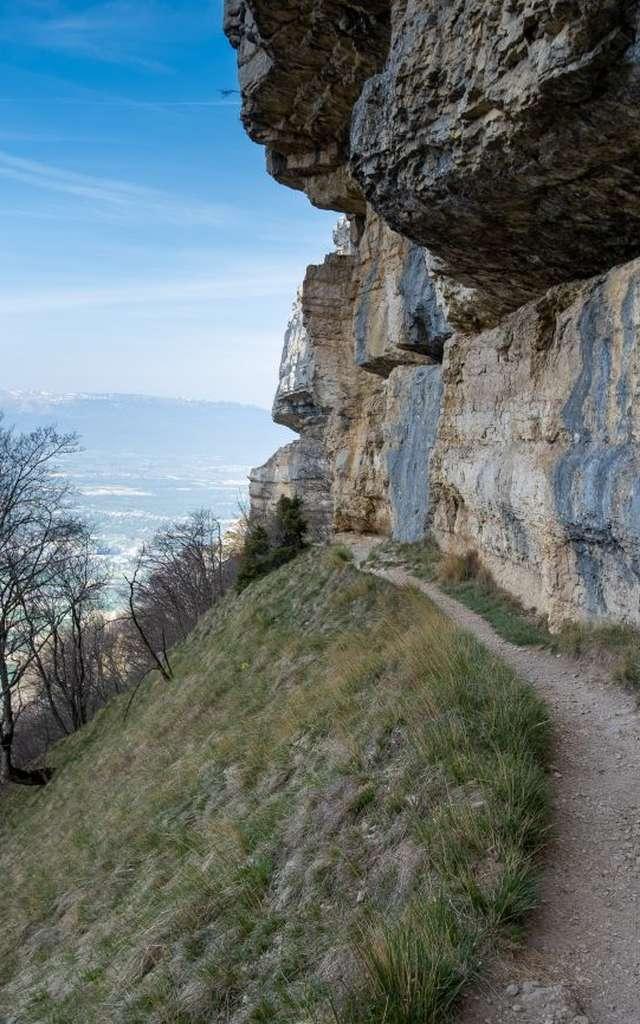 Sentier géologique de la grotte d'Orjobet