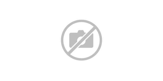 Le Père Noël sur les pistes