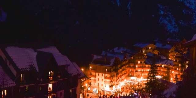 Descent to children's lanterns