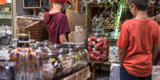 Small tourist market