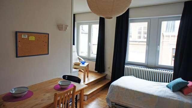 Emile Banning , studio meublé