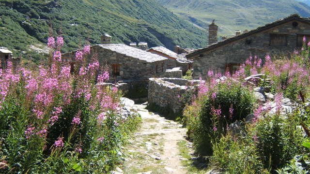 L'Ecot, high altitude village