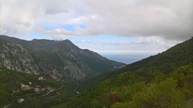Sentiero escursionistico dal Col de Castillon a Sainte-Agnès