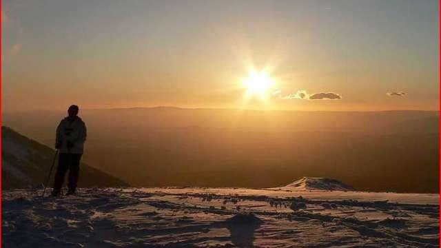 La piste aux étoiles et coucher de soleil