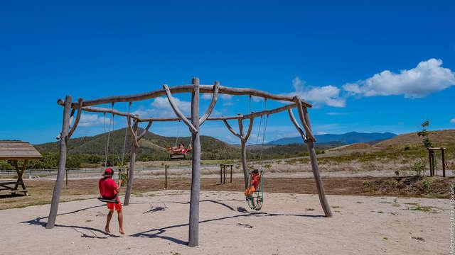 Une aire de jeux pour les enfants - Maison de Deva