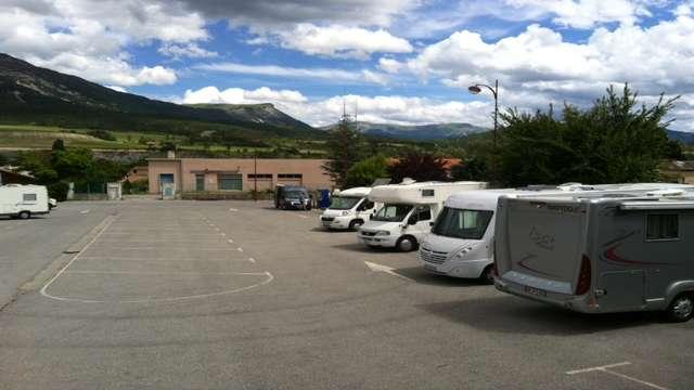 Aire d'accueil et de service camping-cars