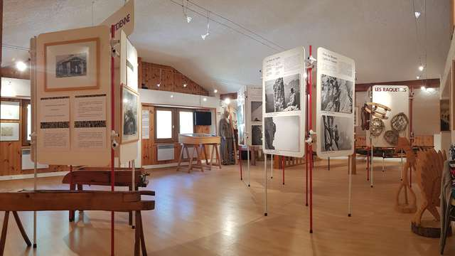 Visit of the Snow and Mountain Museum