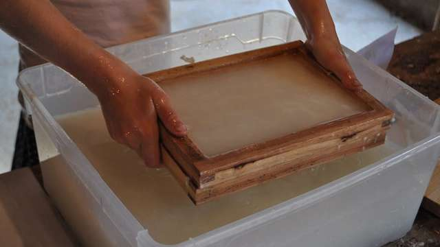 Visite de la papeterie et atelier de fabrication de papier