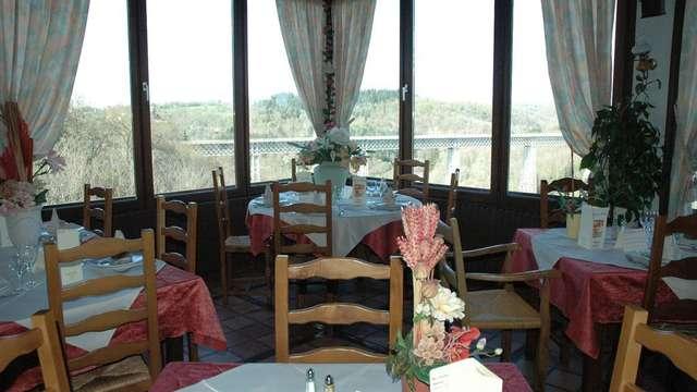 Le Viaduc Hotel and Restaurant