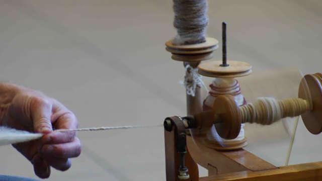 Atelier découverte : Filage de la laine au rouet