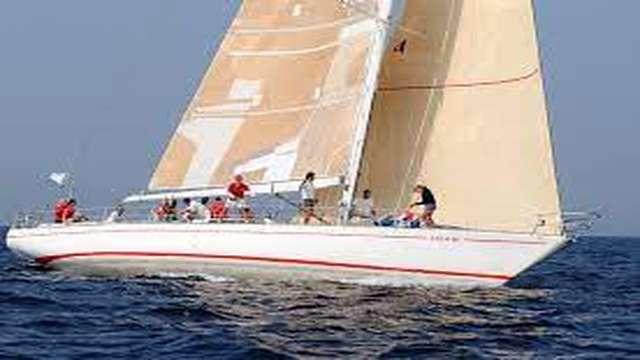 Le voilier Félicie arrive à St Cast
