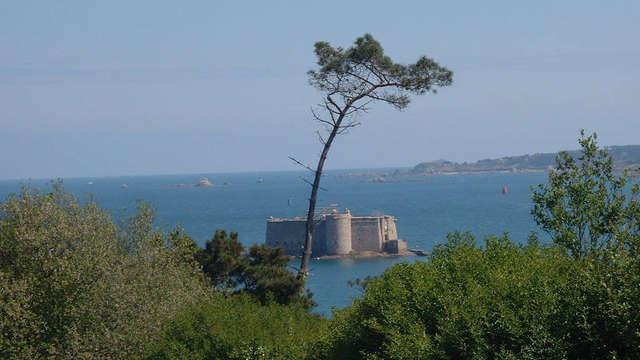 Excursion bateau en baie de Morlaix et visite Château du Taureau