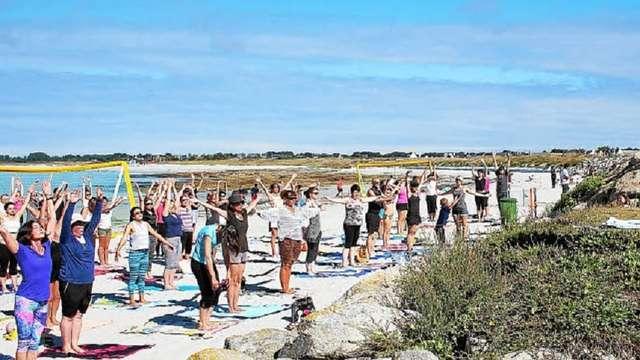 Festy Beach - Yoga