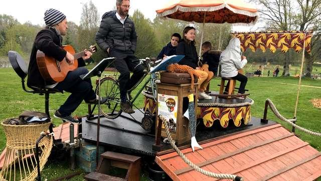 Les jardins ensorcelés : Le Cabaret-cyclette