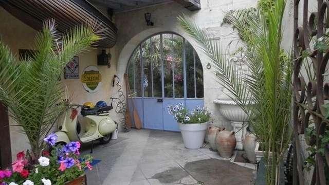 Côte Sud - chambres d'hôtes village troglodyte