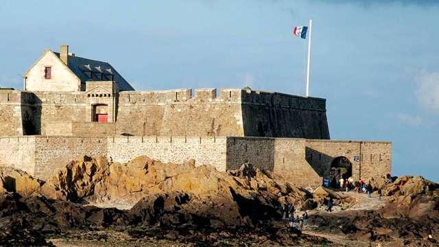 Fort National