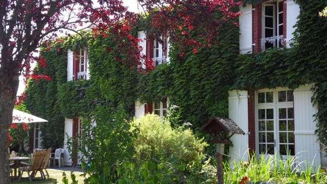 Chambres d'hôtes Gîtes de France - MOUTIER MALCARD - 2 chambres - Réf : 23G0602