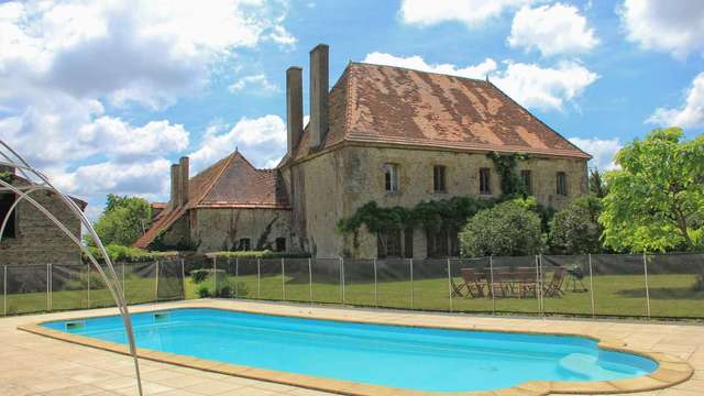 Location Gîtes de France - LUSSAT - 12 personnes - Réf : 23G1397