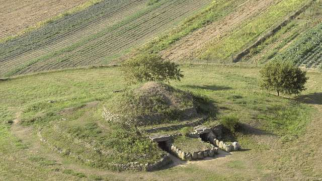Le tumulus de Dissignac : Archéologie et mégalithisme à Saint-Nazaire