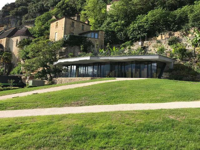 Antenne à La Roque Gageac de l'Office de Tourisme Sarlat-Périgord Noir