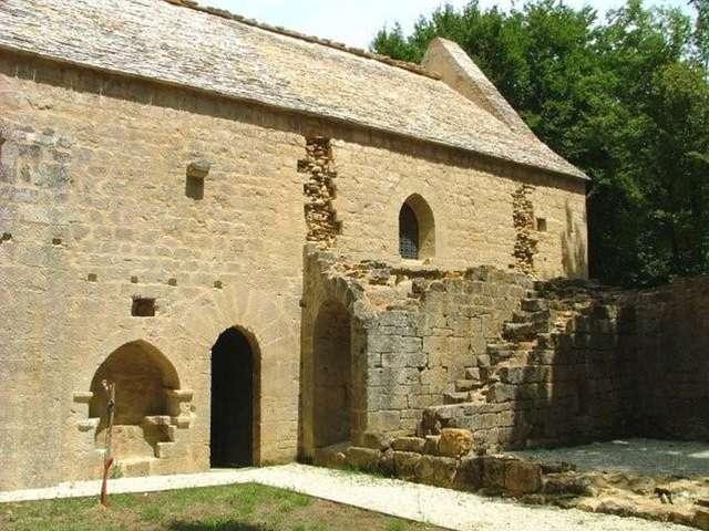 Redon-Espic (Castels) : les secrets de l'église de la forêt