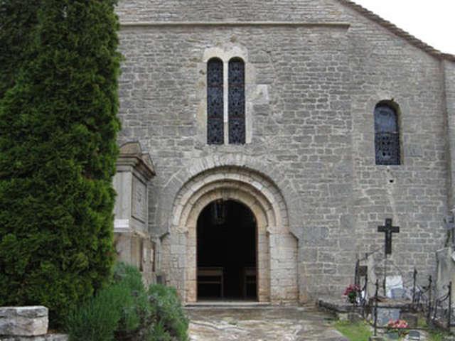 EGLISE ROMANE SAINT-JEAN-BAPTISTE