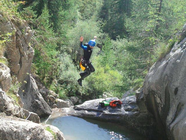 Canyon de Rouanne - Bureau des guides Les 2 vallées