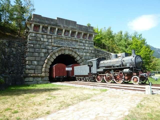 L'Entrée monumentale du Tunnel Ferroviaire