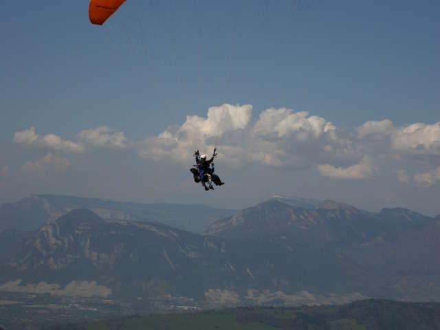 Tandem paragliding with Pegase et Particules