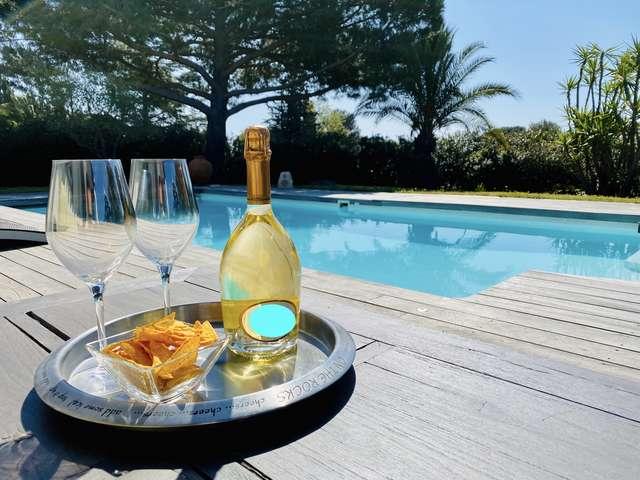 Villa 55 - Bed & Breakfast of charm in Saint-Tropez Gulf.