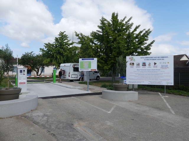 Aire Camping-Car Park de Saint-Trivier-de-Courtes