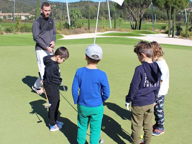Golf activities in All Saints' Day at Golf Up
