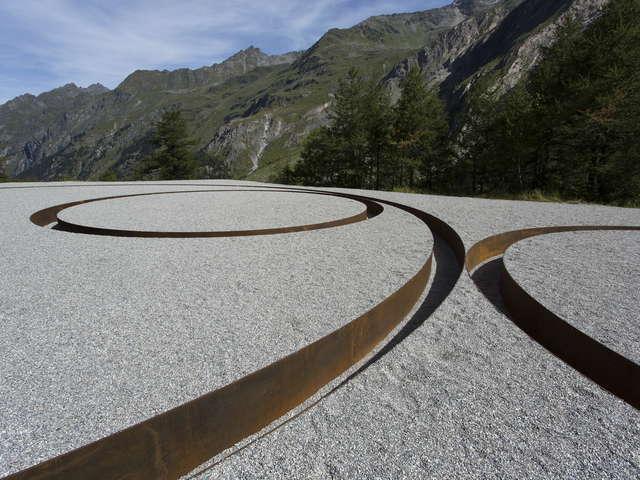 Land Art / Michael Heizer