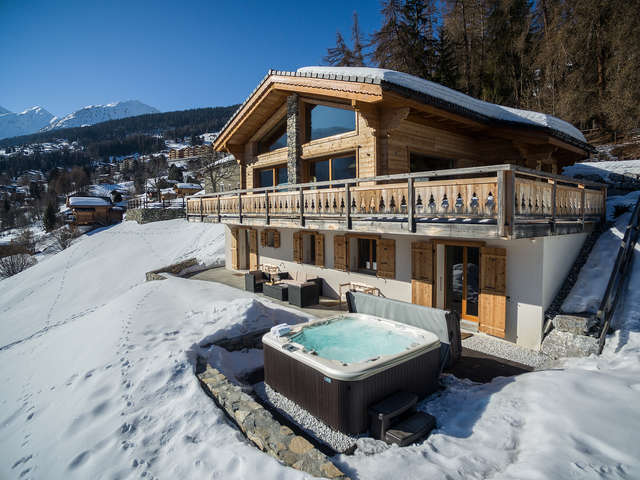 Chalet Charbray - sleeps 10 in fabulous luxury with spa - the ultimate