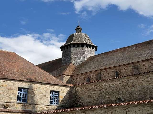 Abbatiale romane Saint-Pierre et Saint-Paul