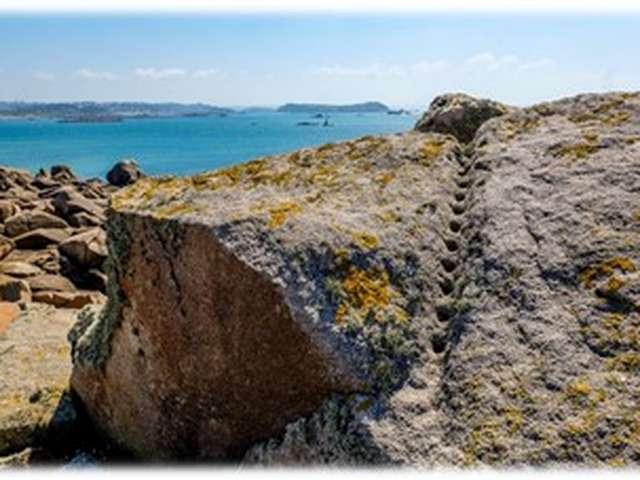 Aventure et exploration insolite au cœur d'îles bretonnes.