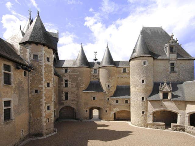 Soirée grand méchant loup au château de Fougères-sur-Bièvre