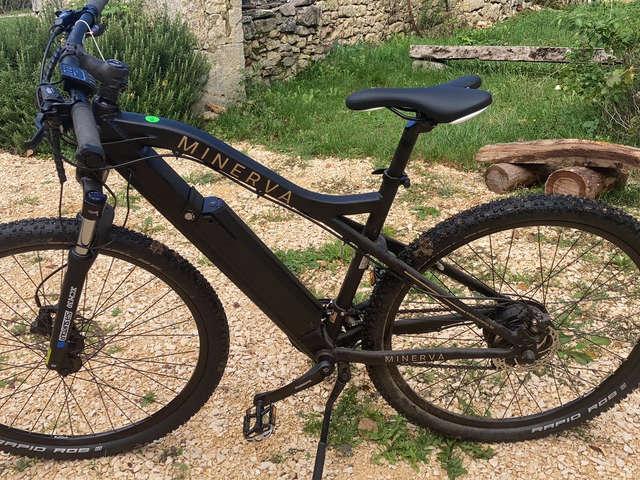 Un chemin en Quercy - location de vélo/VTT
