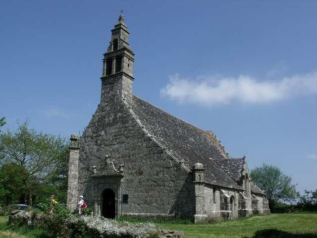 Chapelle, fontaine et croix St Jeune