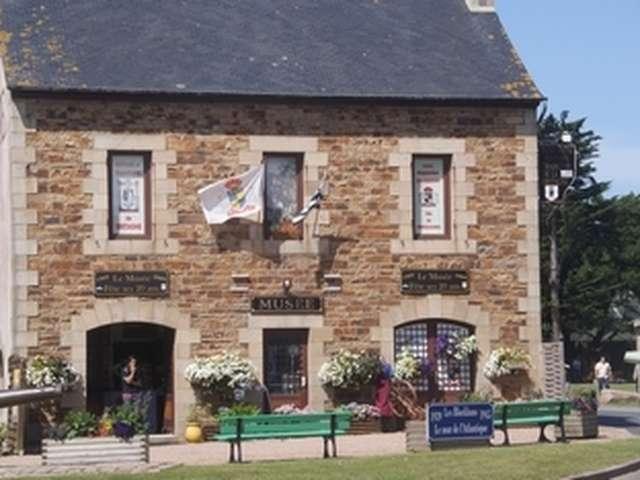 Musée de l'Histoire et des tradition de Basse Bretagne