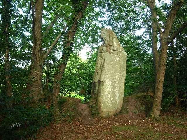 Menhir de Véadès