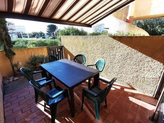 Appartement trois pièces avec terrasse pour 7 personnes à Port Leucate. Réf: 1MAR_106