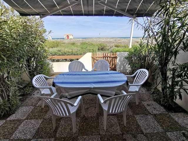 Villa trois pièces mezzanine face à la mer avec garage à Port Leucate. Réf: 1CAPT_H3